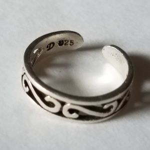 Silver Toe Ring marked D 925